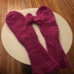Free people long pink fuzzy gloves